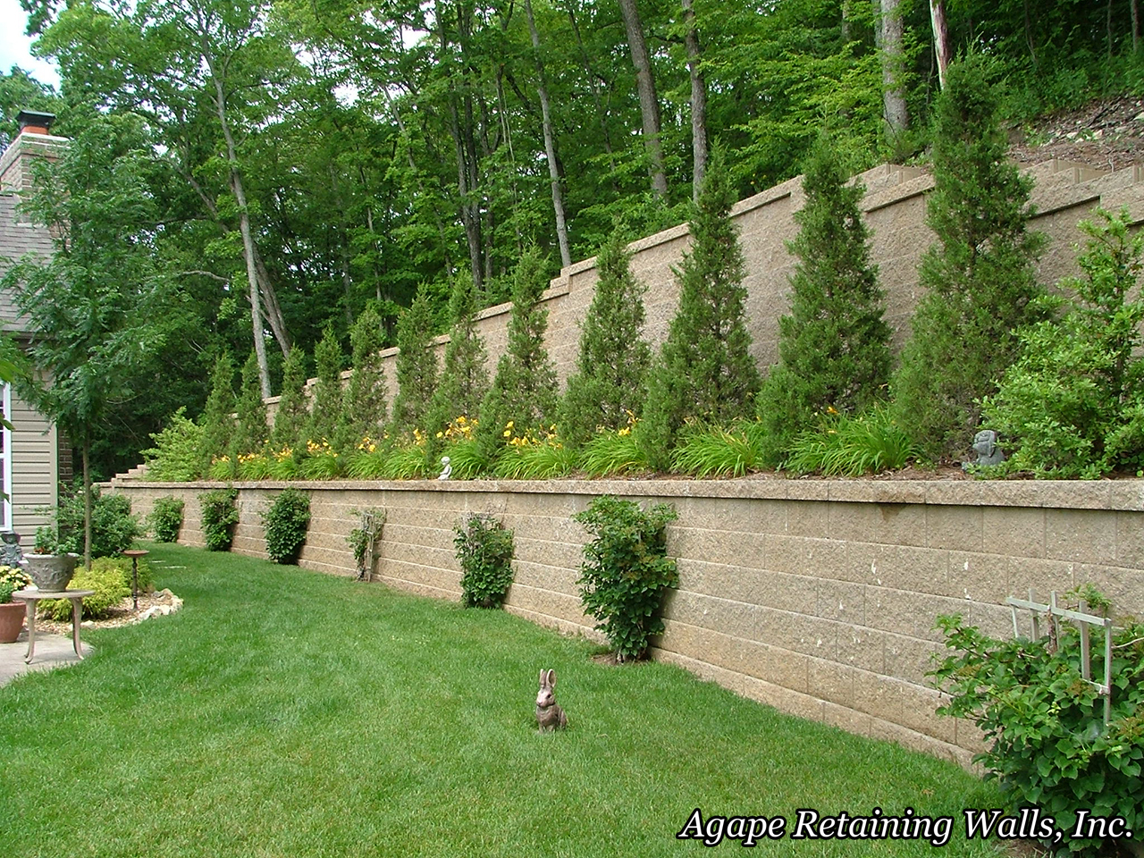 Best retaining wall design ideas gallery interior design for Garden wall designs